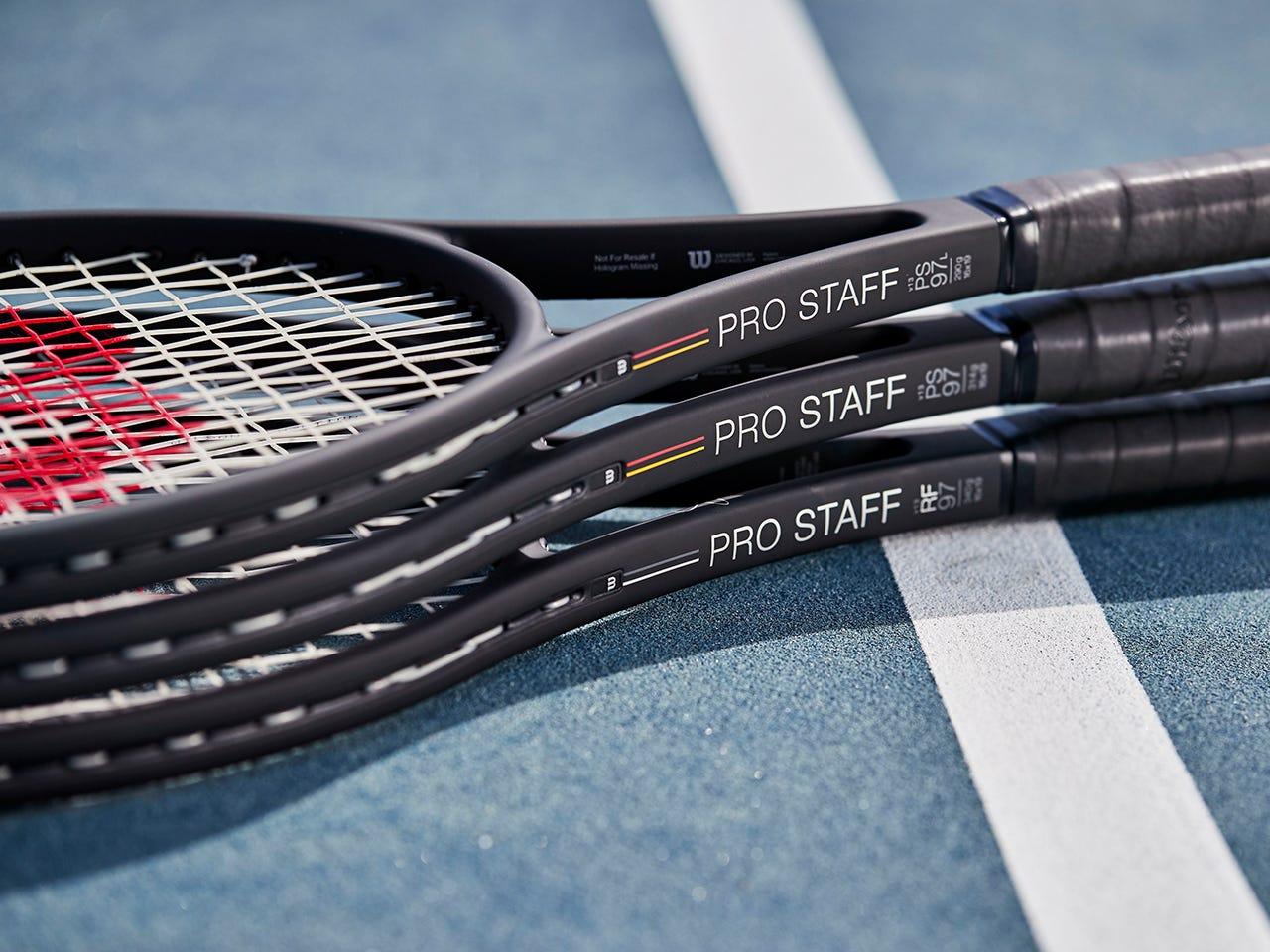 Pro Staff V13 on a tennis court