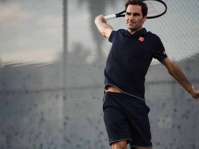 Roger Federer jumping
