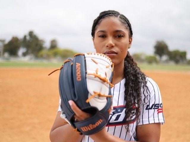 Aleshia-Ocasio-Wilson-Fastpitch-Softball-Athletes-Unlimited