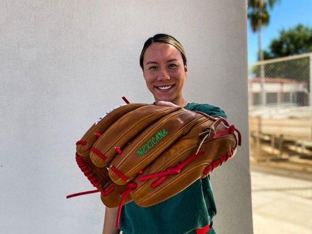 Mexico-Softball-Shortstop-Anissa-Urtez-Wilson-Fastpitch