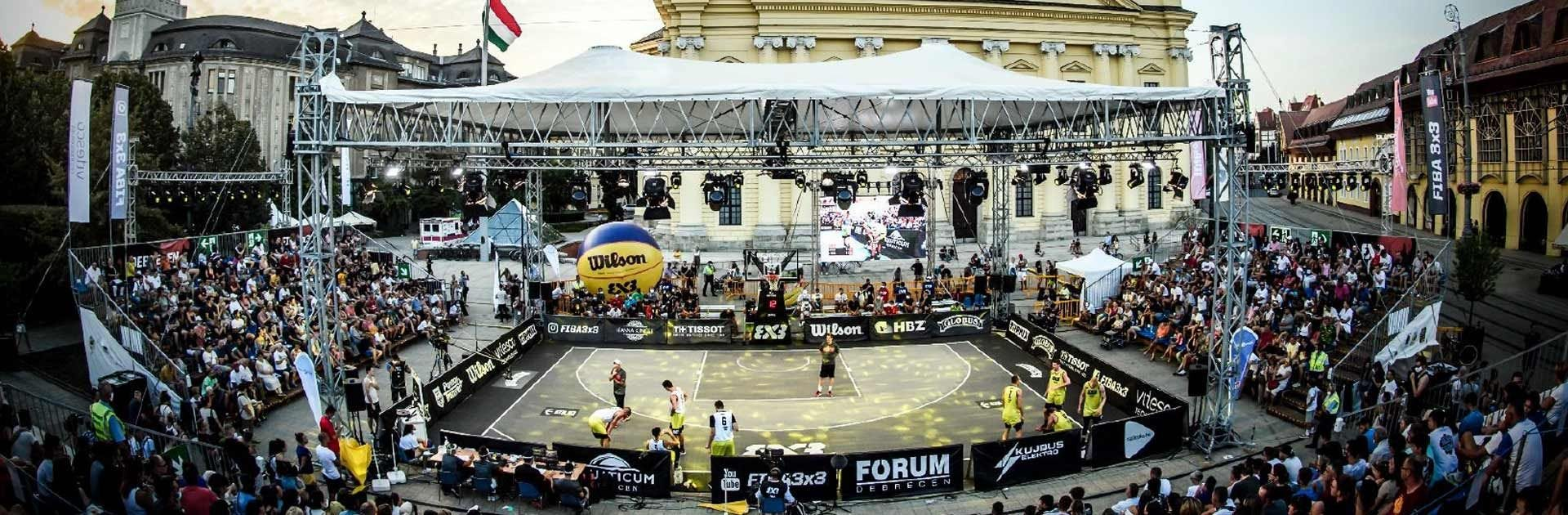 Photo of FIBA 3x3 court in a packed stadium