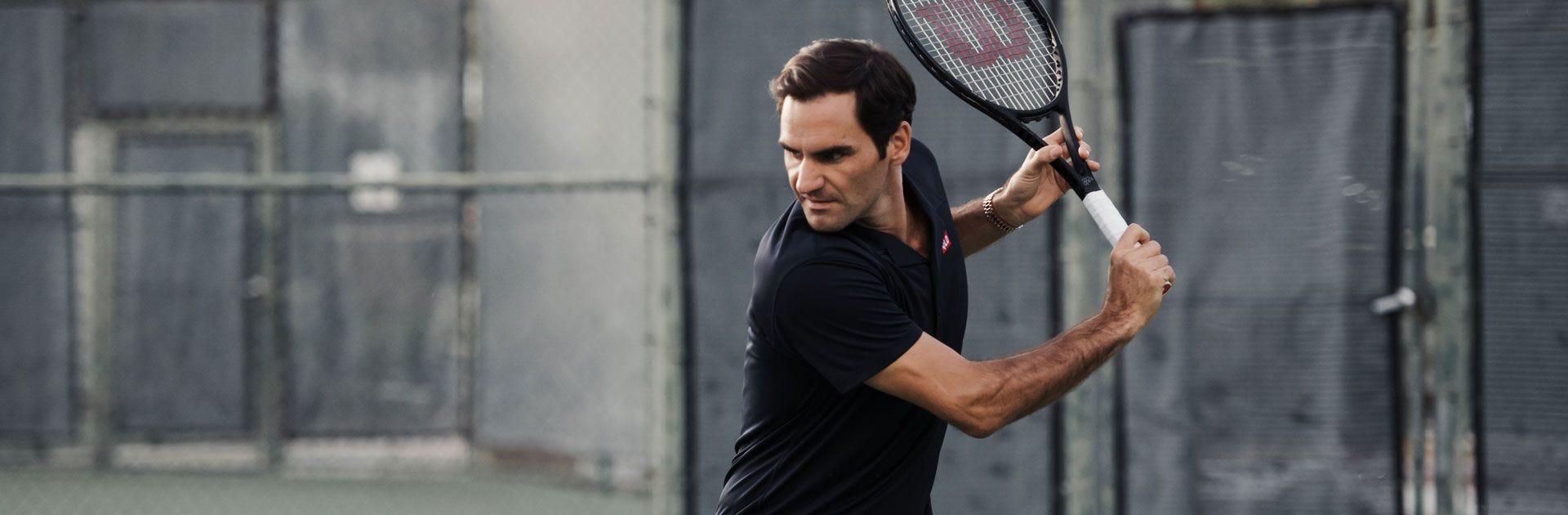 Roger Federer's backhand swing